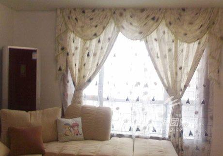 客厅的窗帘 品牌店铺:怡梦布艺-齐家网友精心打造完美复式家 全文