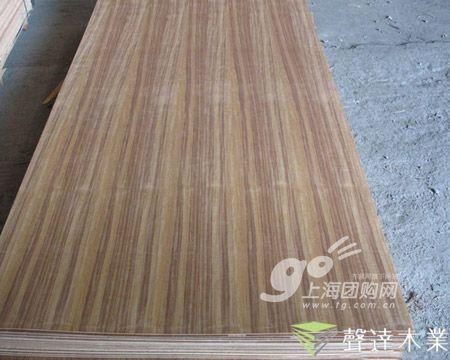 木质饰面板踢脚线