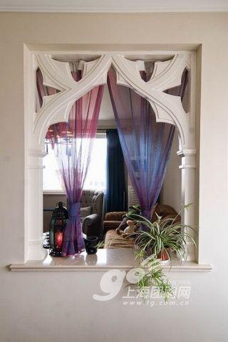 奢华.   很欧式风格的窗台.   简单淡雅的色调使整个厨房更