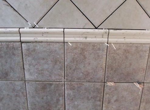 浪漫 老婆 验收/瓷砖上做了很详细的记号哦,为了让我更加清晰的知道了解隐蔽...