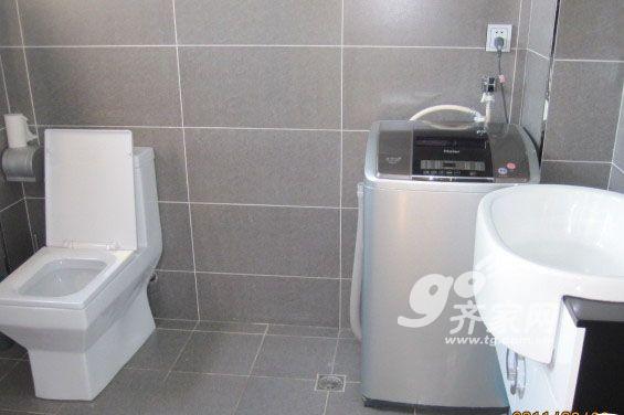 厕所墙砖---灰色,一直很喜欢,本来担心显得暗,装上效果还不错,还好
