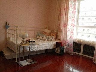 小户型颜色搭配典范 亮丽粉色舒适房