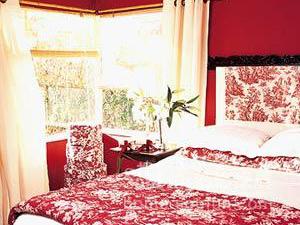 青春洋溢 11款今冬最受追捧的紅色時尚婚房