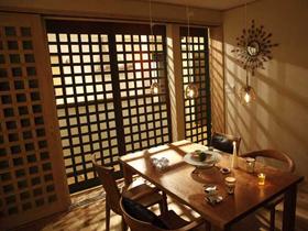 日本80后夫妻 打造完美密林婚房