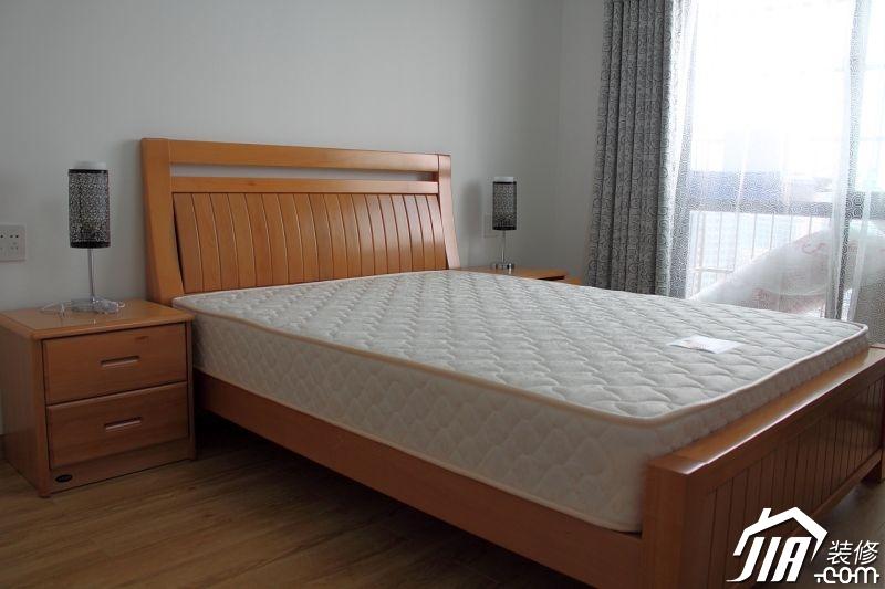 卧室装修效果图390