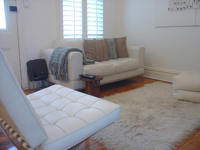 白色唯美公寓房 清新舒適閣樓居