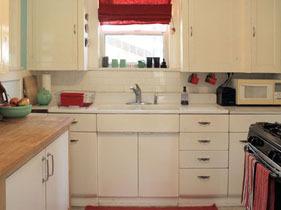 橙色亮色系背景墙 4.9万完美打造单身居
