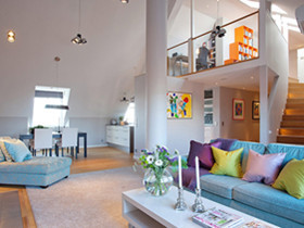 挑高复式阁楼 小空间合理规划成时尚居