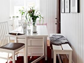 70平白色風格閣樓 壁紙巧妙裝飾三居室