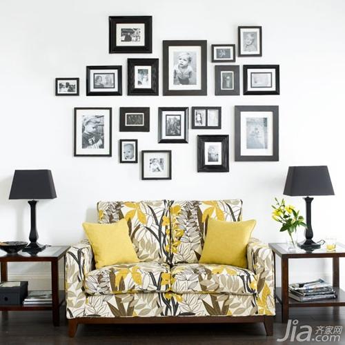 """照片墙排布法 """"拗造型""""妆点沙发区( 1)图片"""