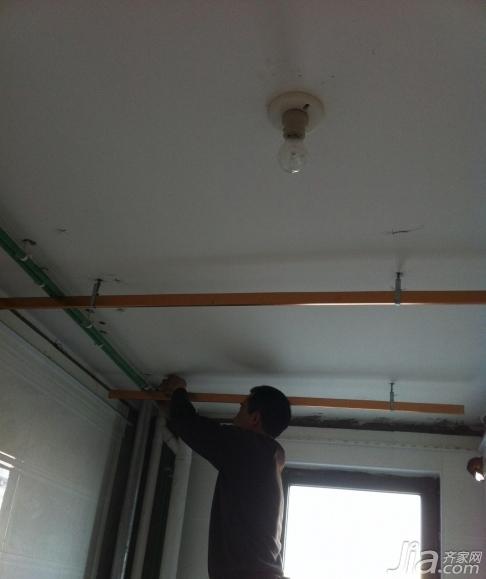 我家的简欧婚房装修  再来一个管子较多的地方的处理图,这个嘛最后
