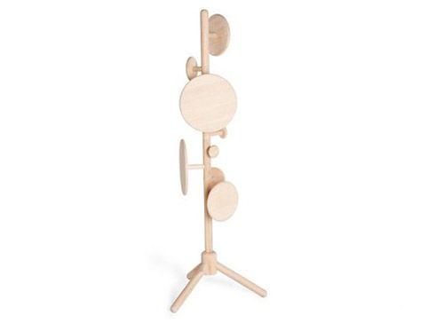 北欧风情官网  编辑推荐:橡胶木材质的蜡烛架,仅由三块造型小木块创意