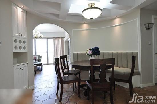 圆形餐厅,圆形餐桌,其实也蛮节约空间的.