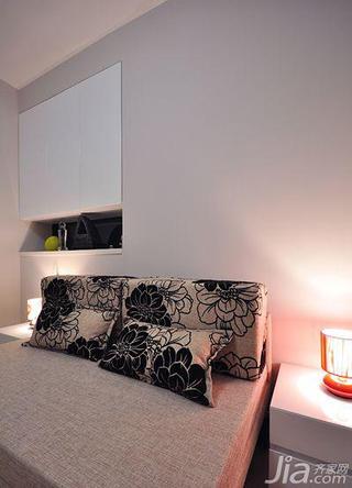 现代简约风格三居室120平米影音室沙发床图片