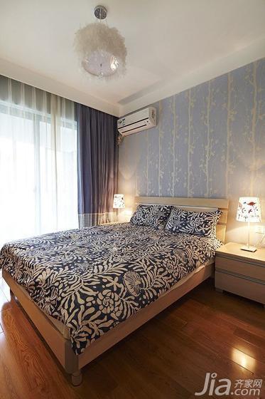简约风格三居室130平米卧室床效果图