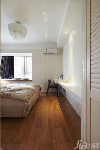 简约风格三居室130平米卧室地板图片