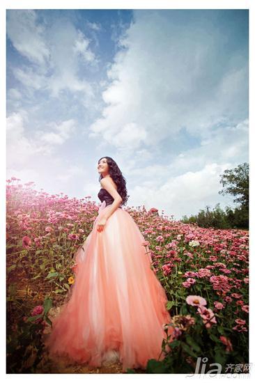 女人与花的浪漫故事 幸福背后是一辈子承诺