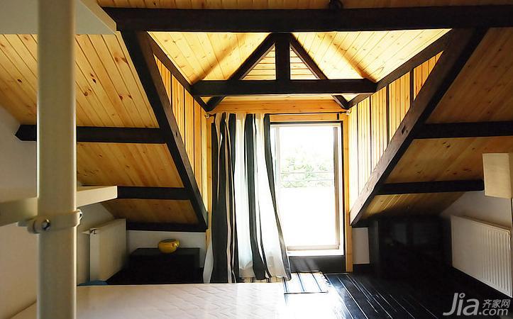 loft风格复式原木色40平米阁楼吊顶装修效果图