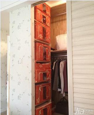 简约风格二居室50平米步入式衣柜设计图纸
