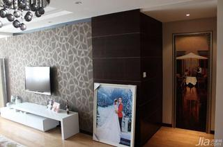 现代简约风格二居室90平米电视背景墙隐形门图片