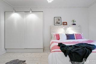 北欧风格公寓小清新70平米卧室卧室背景墙衣柜海外家居