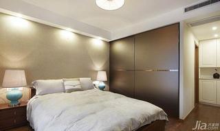 现代简约风格三居室富裕型卧室衣柜床效果图