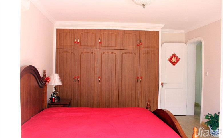 地中海风格二居室80平米卧室衣柜定制