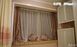 混搭风格15-20万70平米阳台窗帘效果图