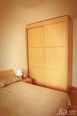 日式风格二居室50平米衣柜设计图