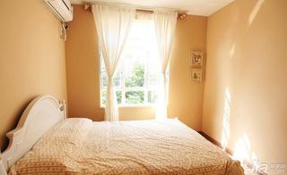 混搭风格四房卧室窗帘效果图