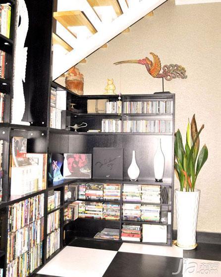 loft风格100平米阁楼书柜效果图