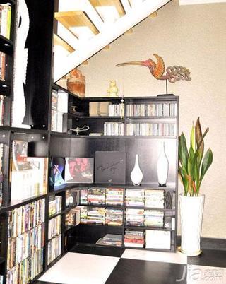 loft风格100平米阁楼书柜图片