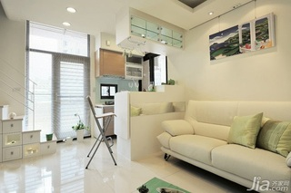 简约风格跃层白色10-15万60平米阁楼沙发效果图