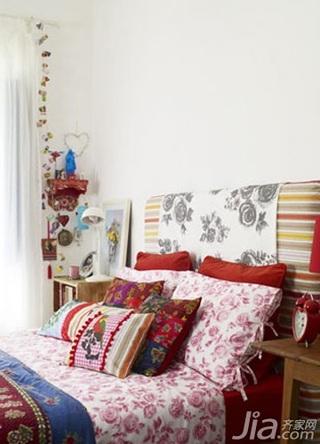 新古典风格二居室舒适10-15万80平米玄关床新房家装图