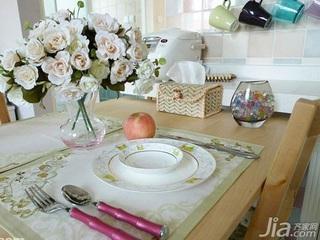 宜家风格一居室经济型餐桌效果图