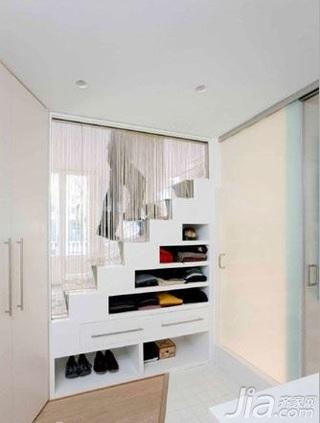 简约风格跃层白色5-10万80平米餐厅楼梯收纳柜新房家装图