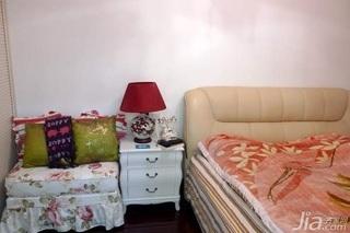 欧式风格二居室10-15万80平米卧室床图片