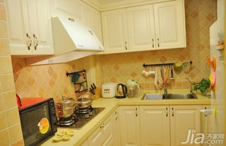 田园风格二居室10-15万80平米厨房橱柜三口之家家装图