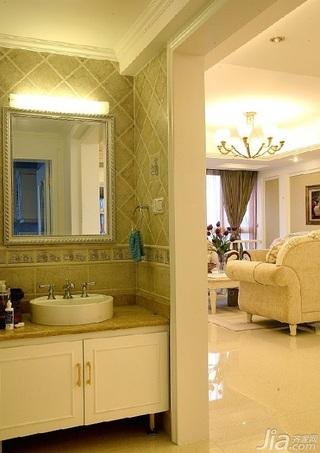 欧式风格四房温馨10-15万120平米客厅背景墙沙发新房家装图片