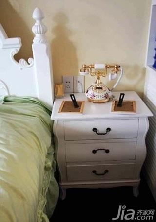 田园风格二居室3万以下60平米卧室床头柜效果图