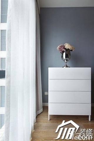 简约风格三居室富裕型阳台窗帘图片