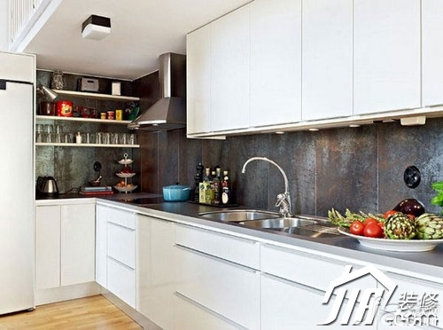 loft风格小户型白色经济型厨房橱柜设计图纸