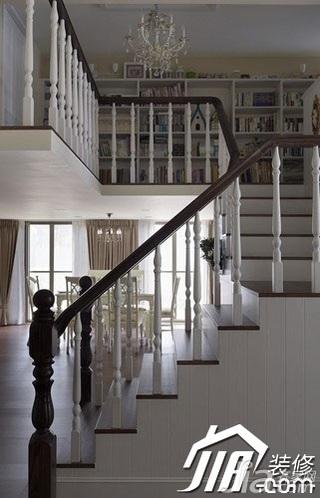美式乡村风格跃层简洁富裕型110平米楼梯装修图片