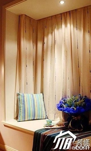 简约风格二居室5-10万飘窗窗帘效果图