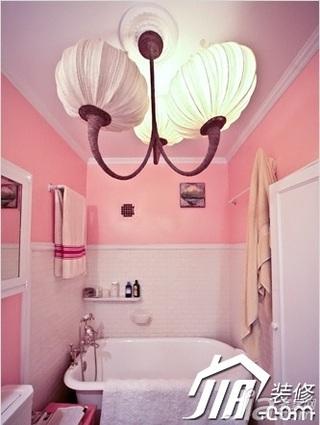 简约风格公寓豪华型120平米卫生间灯具效果图