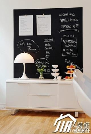 欧式风格别墅豪华型电视柜效果图
