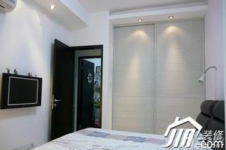 简约风格小户型舒适经济型卧室衣柜设计图