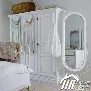 欧式风格公寓简洁白色经济型70平米卧室衣柜设计图