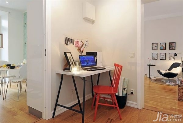 28个北欧风小户型家庭工作室书桌设计3/28