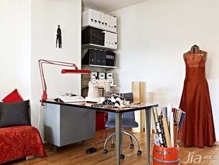 28个北欧风小户型家庭工作室书桌设计4/28